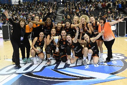 Sheffield Hatters celebrate their Women's BBL Cup win. Picture: Mansoor Ahmed/BBL