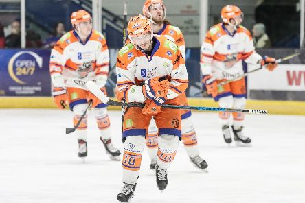 Tanner Eberle and team mates