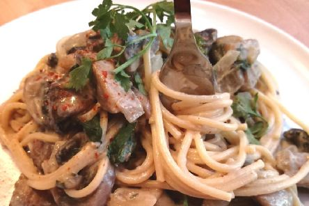 Karen's garlic mushroom and spinach pasta recipe