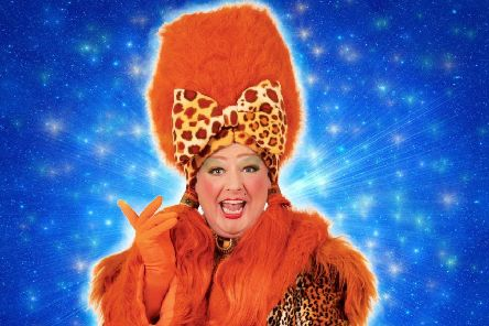 Les Dennis, Gareth Gates and Sooty announced in cast for star-studded Theatre Royal Nottingham panto Cinderella