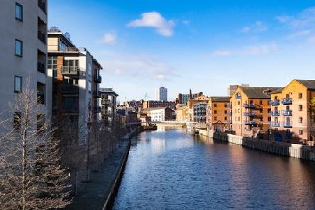 The second bank holiday of May is just around the corner - but will the weather in Leeds be cool and grey or sunny and warm?
