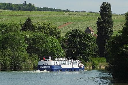 MS Raymonde on the Marne canal. Image: CroisiEurope