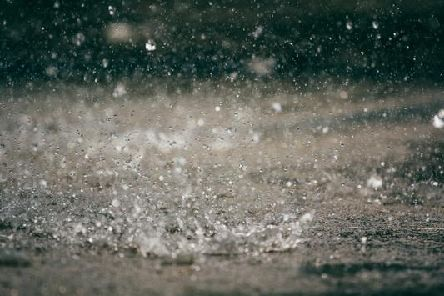 A Met Office yellow weather warning for rain is in place in numerous parts of the UK until 23.59pm on Monday (14 Oct).