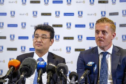 Sheffield Wednesday manager Garry Monk (right), with chairman Dejphon Chansiri (left).