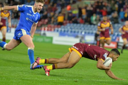 Kruise Leeming scores the Giants' fourth try.   Picture Bruce Rollinson