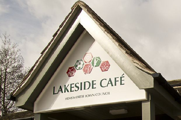 Lakeside Cafe given green light to sell alcohol