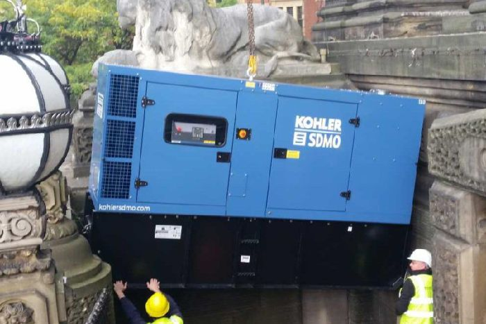 Standby generator for Leeds Town Hall now in place - Yorkshire Post