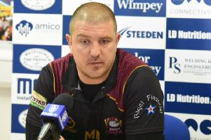 Batley Bulldogs coach Matt Diskin wants his side to build on last week's encouraging display against Toronto Wolfpack when they welcome French high-fliers Toulouse Olympique to Mount Pleasant on Saturday.