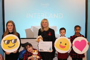 Google joined local MP Tracy Brabin at Carlinghow Princess Royal School