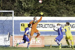 Picture by Allan McKenzie/YWNG - 29/09/18 - Sport - Football - Evo-Stick League - Pontefract Collieries v AFC Mansfield, Pontefract FC, Pontefract, England - Ryan Musselwhite makes a save.