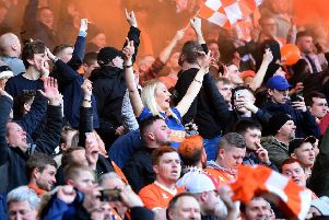 Almost 16,000 fans watched Blackpool draw 2-2 with Southend United