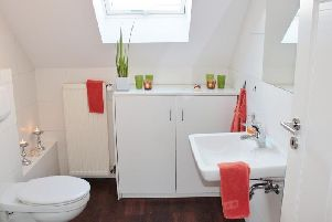 The caller contacted Nottinghamshire Police on 999 because their toilet was blocked