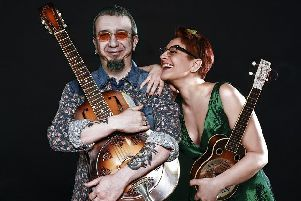 Veronica Sbergia and Max De Bernardi play country blues and ragtime from the 20s and 30s.