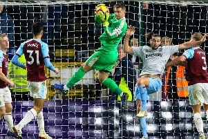 Clarets keeper Tom Heaton in action against West Ham Utd'Photographer Alex Dodd/CameraSport