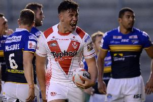 Hull have signed former St Helens forward Andre Savelio from Brisbane Broncos