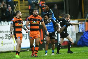 Hull's Albert Kelly is congratulated by fellow try scorer Ratu Naulago.  Picture Jonathan Gawthorpe