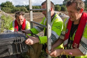 tHE Environment Agencys Hydrometry and Telemetry team installing a third monitor at Toddbrook Reservoir