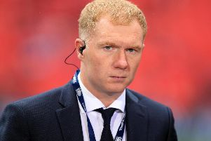 Paul Scholes is sure Sir Alex Ferguson is just a phone call away should he seek advice in his managerial bow.
