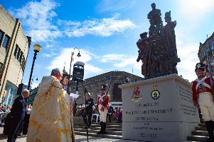 Dukes memorial: Crowds turn out in huge numbers to see statue unveiled in Halifax town centre