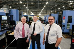 From left, Tim Jayes, Thorsten Seehars, member of the management board of Knorr-Bremse Commercial Vehicle Systems, and Keith Bendelow.