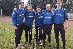 Heckmondwike were edged out by Hull in the Yorkshire Cycle Speedway League.
