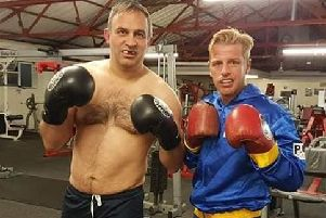 Ian Murray helped Gary Sykes get off the booze as the pair trained together in preparation for their charity boxing match.