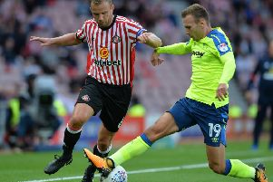 Lee Cattermole is reported to be a target of Sheffield Wednedsay. (Photo by Mark Runnacles/Getty Images)