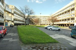 The photograph of Hahnemann Court Flats in the early 2000s.