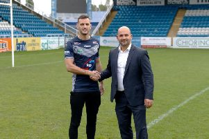 Featherstone Rovers' new signing Craig Hall is welcomed by chief executive Davide Longo (PIC: FEATHERSTONE ROVERS)