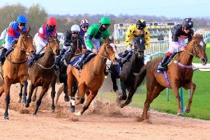 Racing at Southwell racecourse