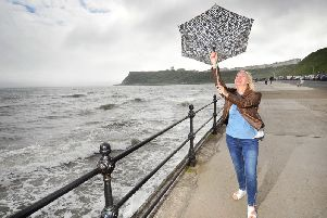 Strong winds, heavy rain and overnight frosts are forecast for the weekend.