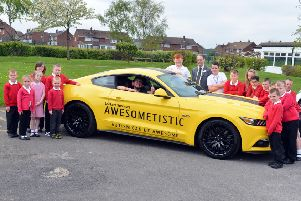 Awesometistic Richard Smith visits Hedworth Primary School in his Ford Mustang.