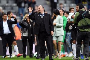 Mike Ashley has been handed a fresh worry over Rafa Benitez's Newcastle United future