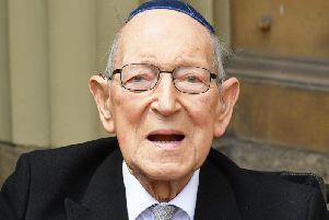 Lieutenant Colonel Mardaunt Cohen, the UK's oldest Jewish war veteran, has died at the age of 102.