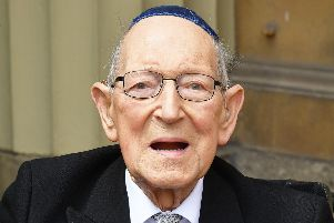 Lieutenant Colonel Mordaunt Cohen, the UK's oldest Jewish war veteran, has died at the age of 102.