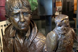 Kes sculpture unveiled at Experience Barnsley