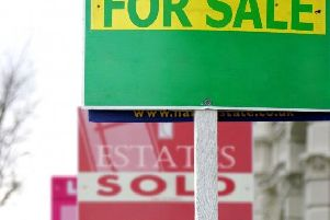 Average stock levels remain low, at 34 properties per branch
