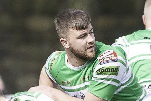 George Senior scored a hat-trick of tries and kicked three goals as Dewsbury Celtic defeated Hensingham to set up a home play-off semi-final against Batley Boys.