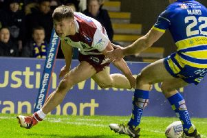 Tom Davies crosses for a try