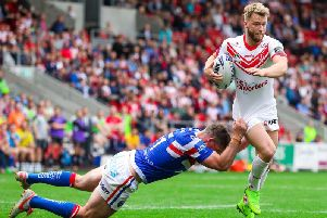 Danny Richardson takes on the Wakefield defence. Picture: SWPix