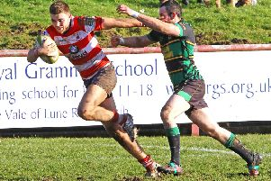 Olly Jacques at speed down the wing. Picture: Tony North.