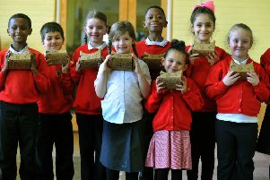 220217  Pupils at Cottingley Primary Academy School in Leeds  with their  Virtual Reality viewers .