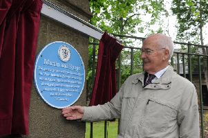 The plaque was unveiled by special guest Chris Hatton, the President of the Leeds Philosophical and Literary Society (LPLS).