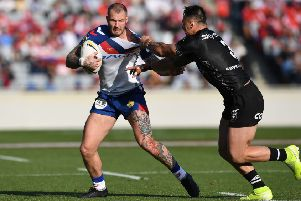 Zak Hardaker: Moving out to the wing.
