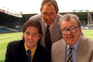 Bill Fotherby in 1996 with Leeds United manager Howard Wilkinson and summer signing Lee Sharpe (Picture: Steve Riding).