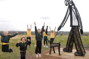 2007: Pupils from Linby School put their hands up in approval after unveiling the new statue on the Ranges. Are you on this picture?